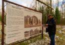 Europos parke Pasaulio lietuvių vienybės karūnos kolonos kyla į viršų